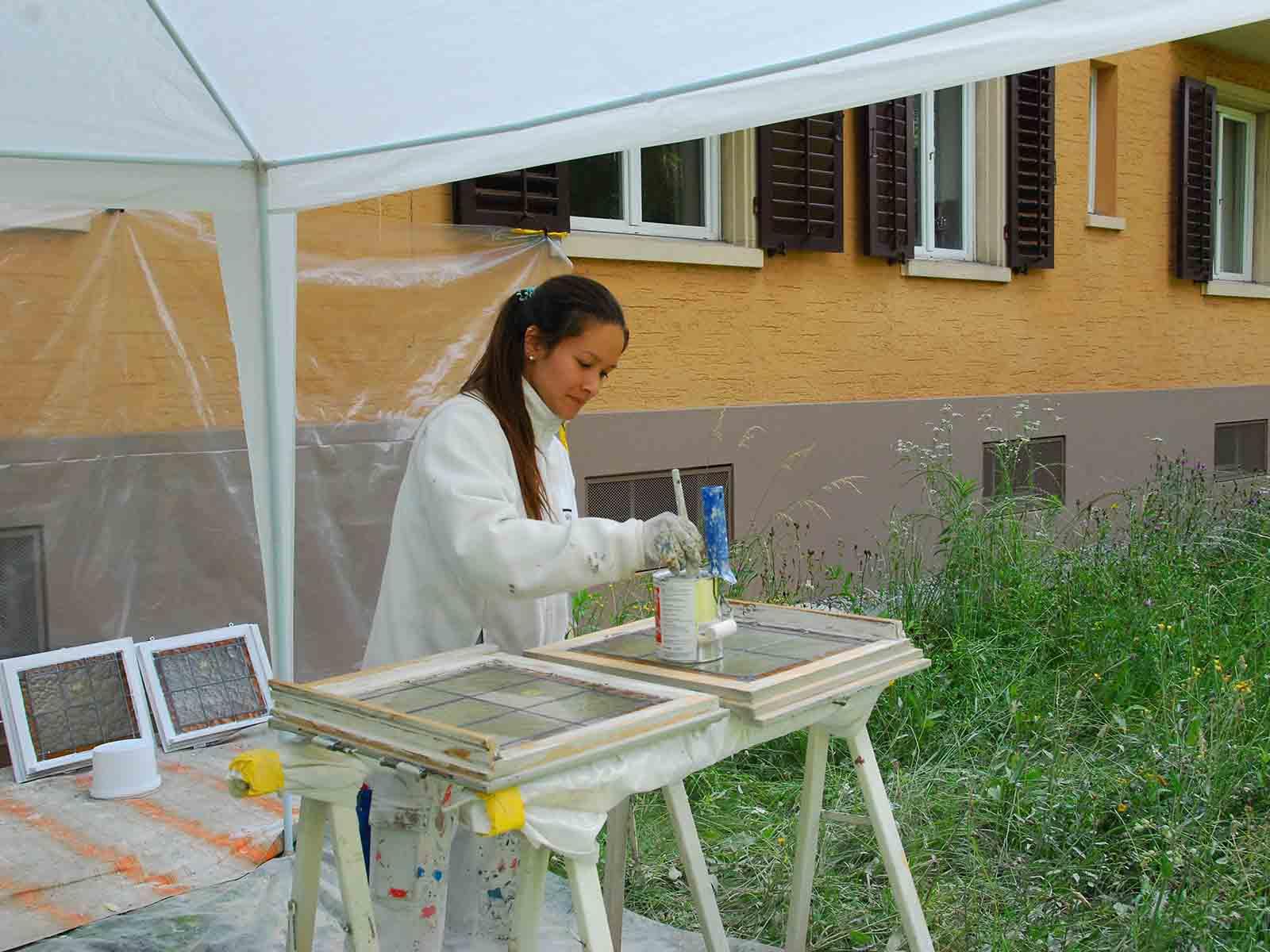 Malerarbeiten verschönern jedes Haus und schützen es innen und aussen vor schädlichen Einflüssen.