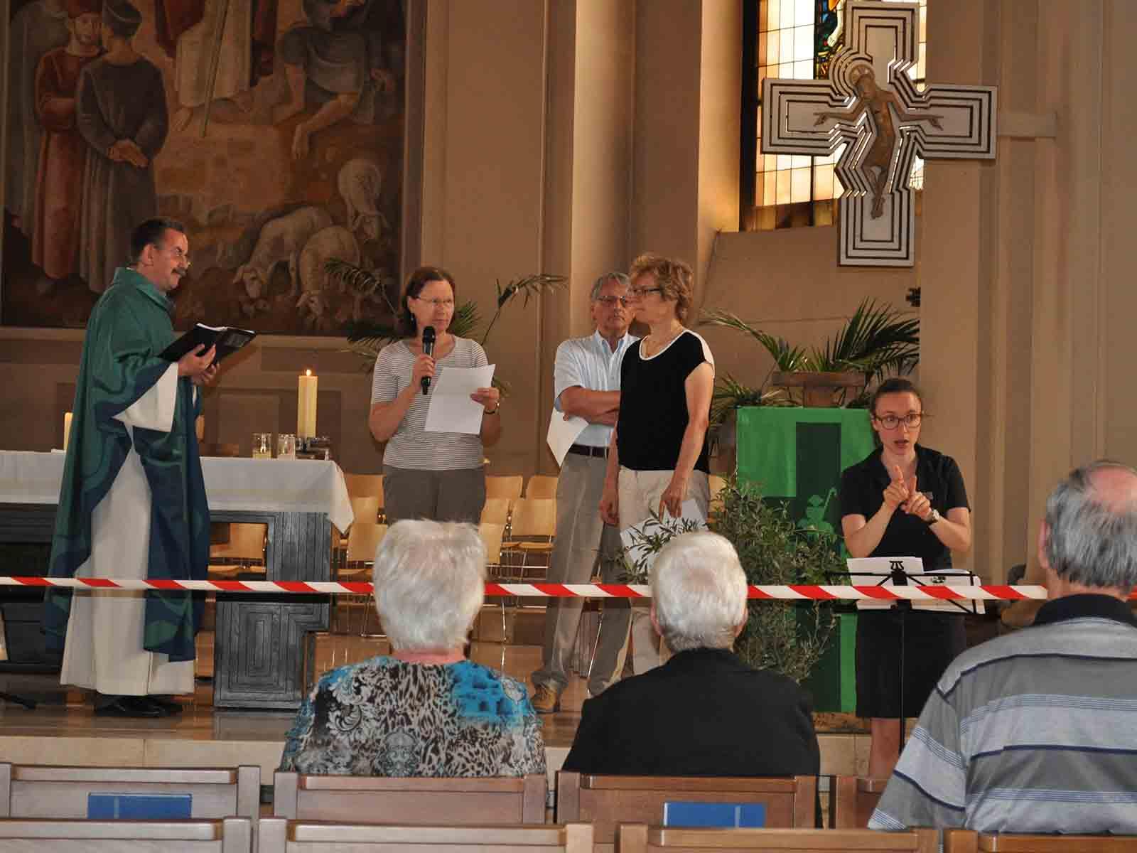 Von links nach rechts: Pfarrer Beat Häfliger, Regula Eberle (Behindertenseelsorge), Fredy Solenthaler, Irene Bopp.