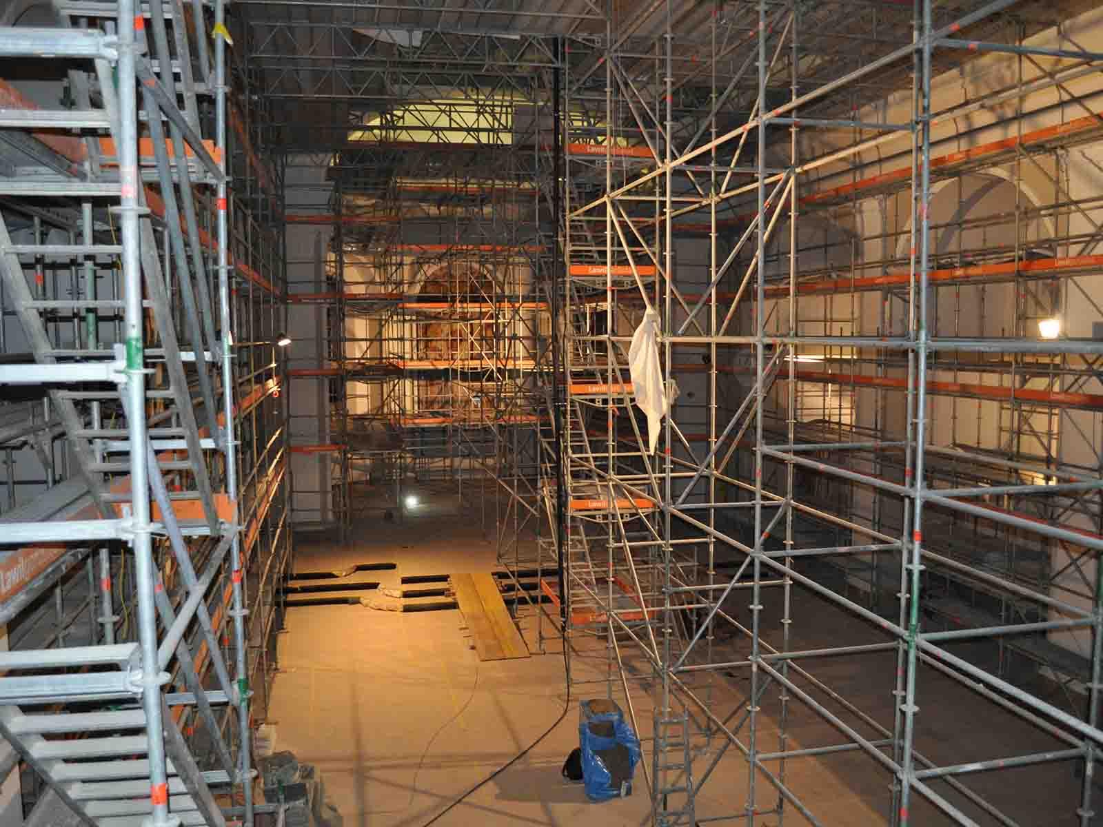 So sieht es derzeit noch im Innern der Kirche aus.