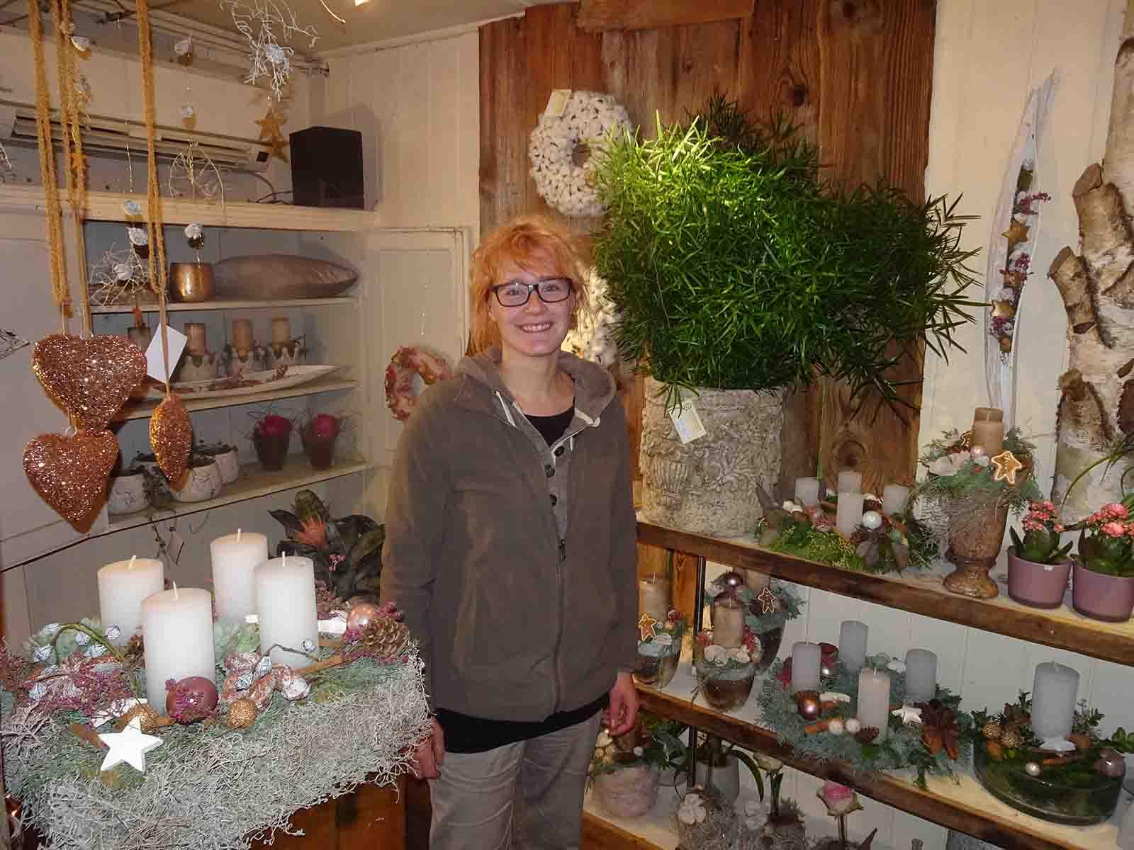 Patricia Gabathuler in ihrem Laden «blumenundso» beim Bucheggplatz