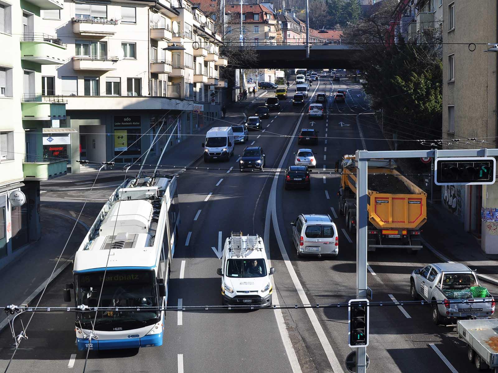 Warum muss sich der ganze Verkehr durch unsere Stadt wälzen?