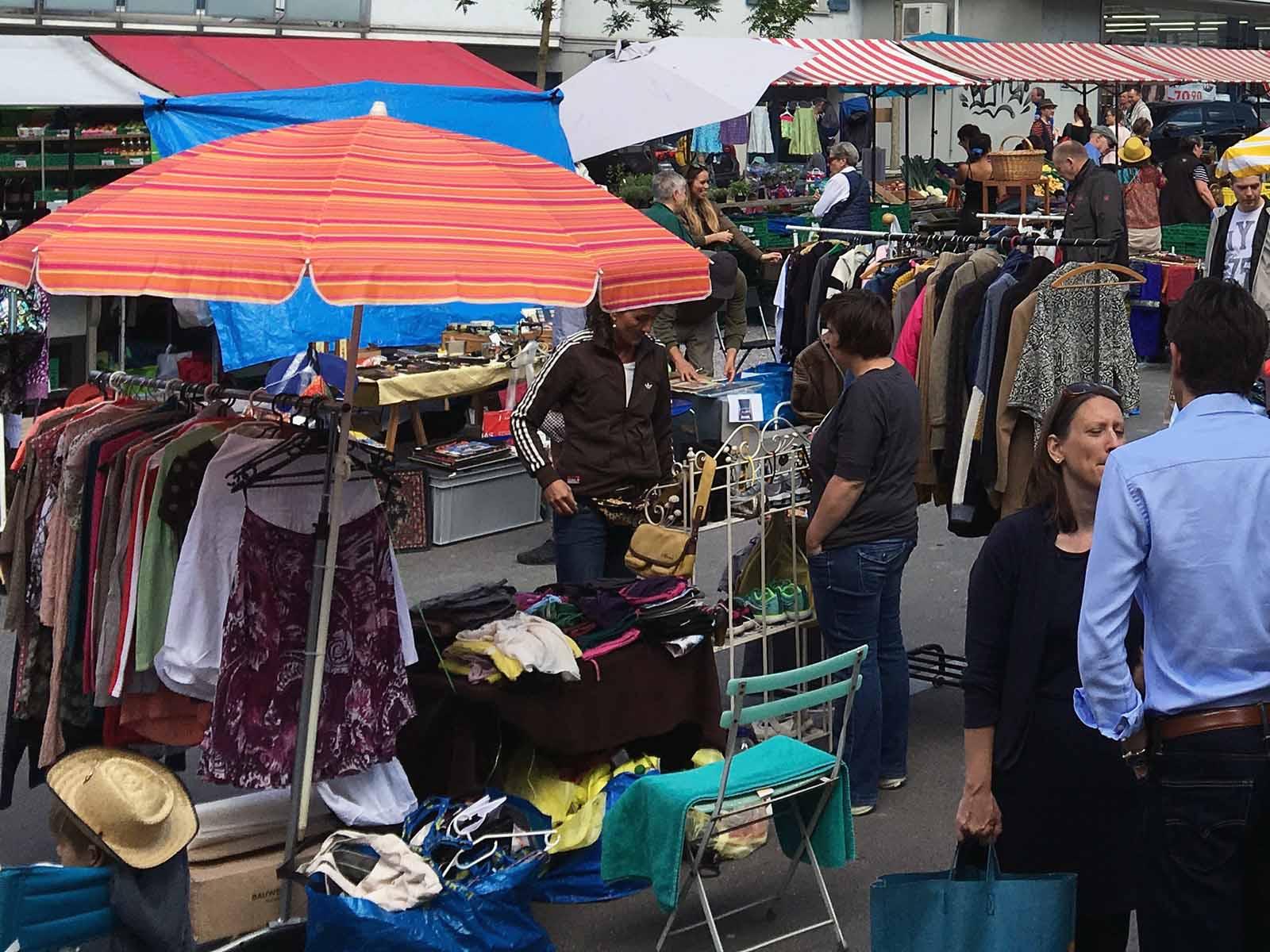 Legenden:In diesem Jahr findet der Flohmarkt nicht mehr auf dem Röschibachplatz statt sondern auf dem Areal des Parkplatz Letten.