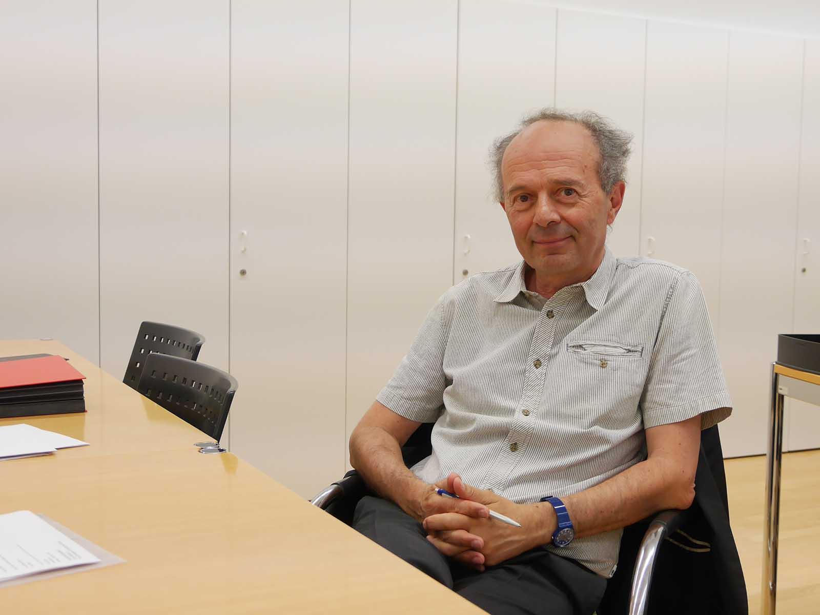 Richard Wolff in seinem Büro des Tiefbau- und Entsorgungsdepartements.