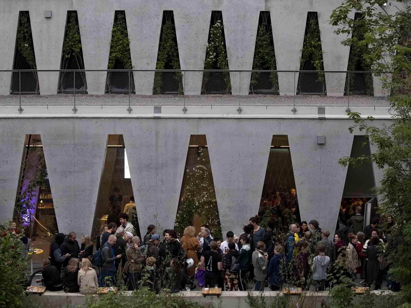 Mit einem dreitägigen Eröffnungsfestival wurde das neue Tanzhaus an der Limmat eingeweiht.