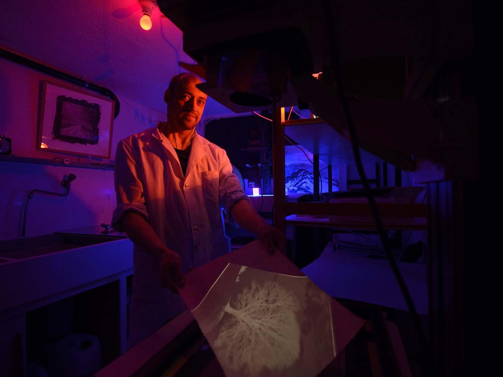 Hannes Hübner in seinem Labor.