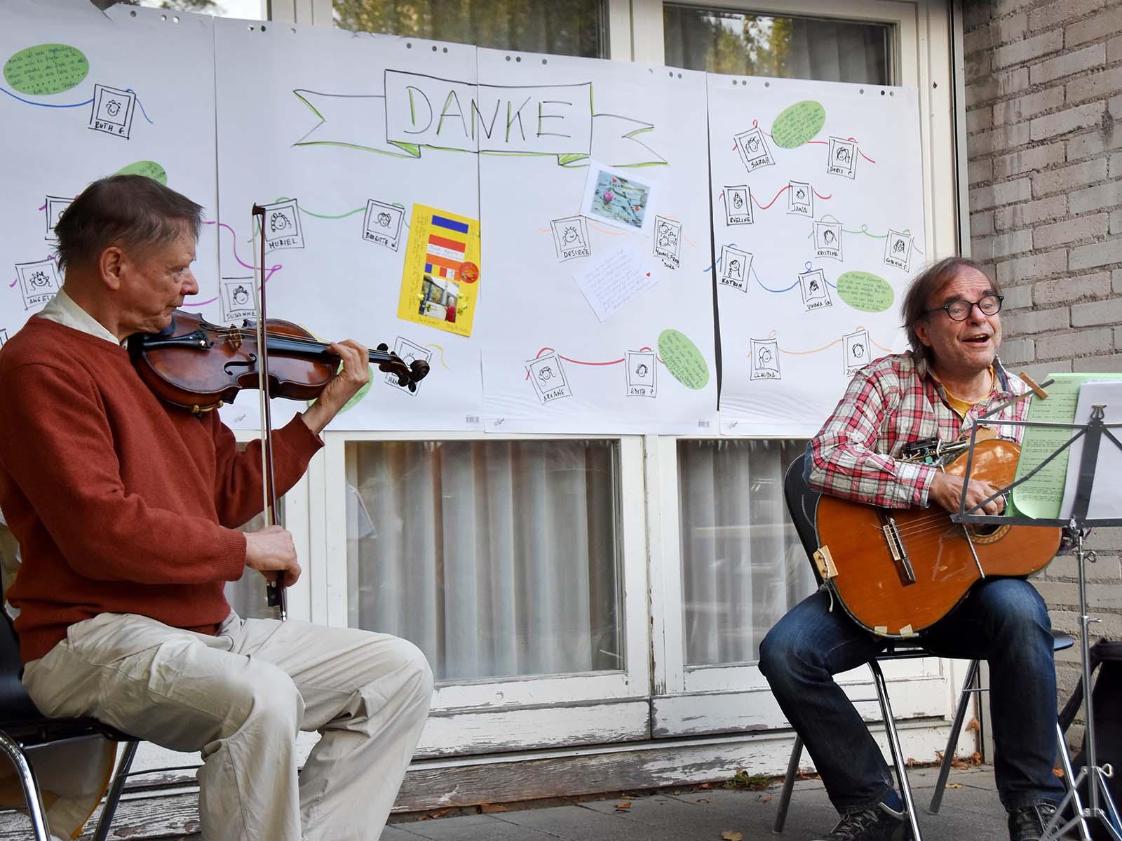 Das Musiker-Duo sorgte für eine beschwingte Stimmung.