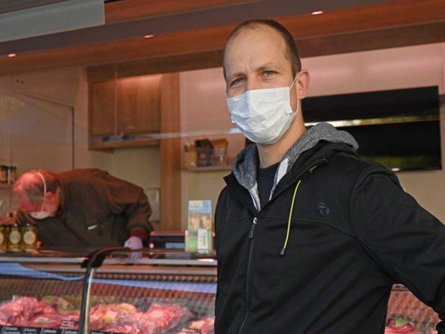 Markus Hauenstein freut sich, dass er seine Kunden wieder auf dem Röschibachplatz begrüssen kann.
