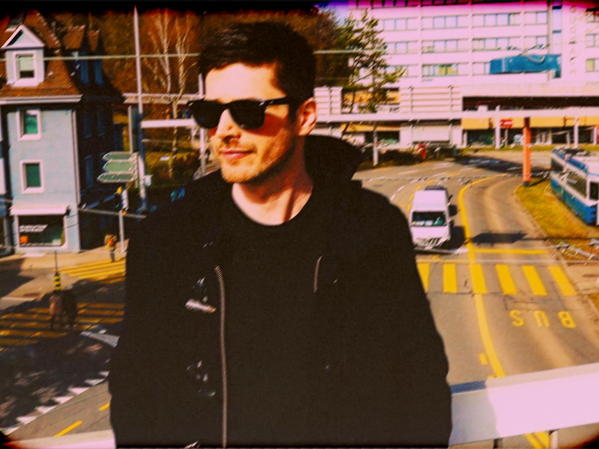 In Wipkingen ganz zu Hause: das Video zu Nolans Song hat er selbst gedreht – auf den Strassen Wipkingens.
