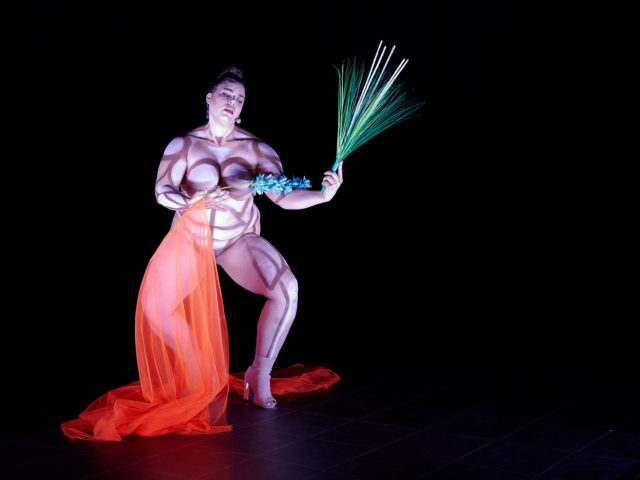 Teresa Vittucci, «Hate me, tender – Solo for Future Feminism».